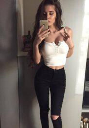 אלינה צעירה בת 23 עם חזה גדול בחיפה